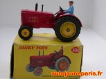 Tracteur Massey Harris produit en Afrique du Sud