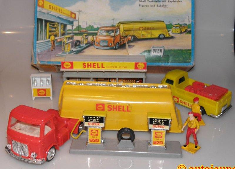 Lucky station service Shell