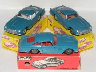 La caravane et l'Aston Martin