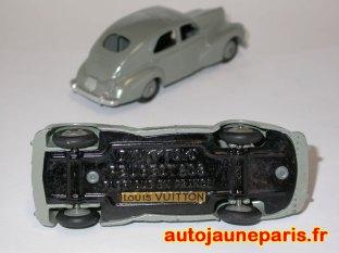 Louis Vuitton et 203 Dinky Toys