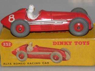 Dinky Toys Alfa Romeo 158 jantes en zamac