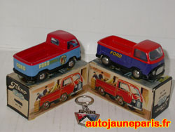 Tekno Ford Taunus pick up; A droite version moins fréquente