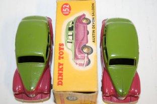 deux découpes de peinture sur l'Austin Devon Dinky Toys