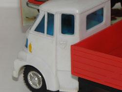 l'étrange cabine du Camion Morris