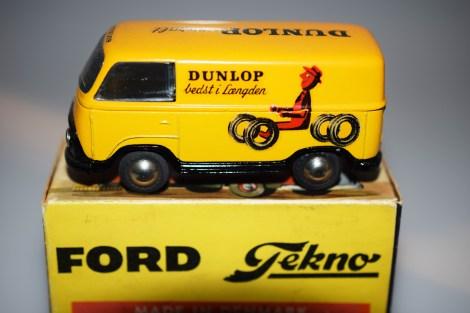 Tekno Ford Taunus Dunlop
