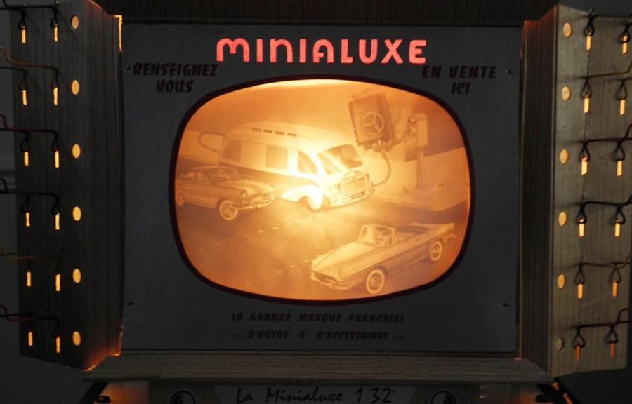 Minialuxe Télévision allumée