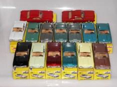 Ensemble deNuances de couleur de Solido Ford Thunderbird avec phares moulés
