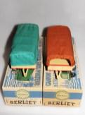 Quiralu remorques bâchées (notez le tampon remorque sur le devant de la boîte)