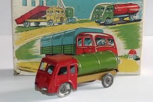 Polichinnelle Renault ATD citerne