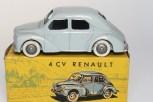 C-I-J Renault 4cv calandre 3 barres jantes en plastique de couleur argent nuance de gris châssis riveté