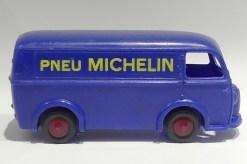 """Bourbon Peugeot D3A""""pneu Michelin"""""""