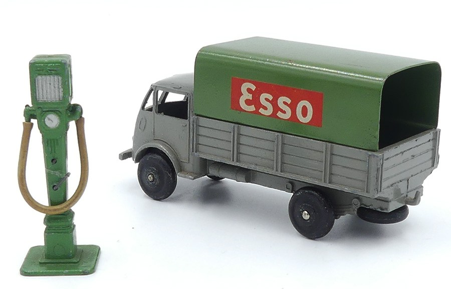 Dinky Toys Ford ridelles bâché Esso