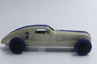Dinky Toys Delahaye de record (version avant -guerre)