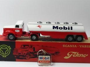 """Tekno Scania 76 semi remorque citerne """"Mobil"""""""