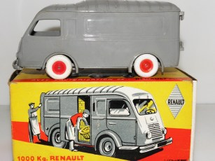 Minialuxe Renault 1000Kgs (Alex Cameron)