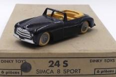 Dinky Toys Simca 8 sport (pare brise fin) l avec intérieur caramel