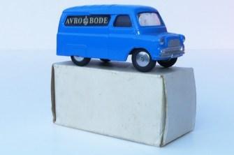 """Corgi Toys Bedford 10cwt fourgon""""Avro Bode"""""""