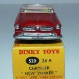Dinky Toys Chrysler New Yorker avec intérieur rosé et jantes concave et boîte double référence 520/24 A