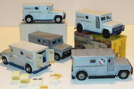 """Dinky Toys GMC fourgon blindé """"Brink's"""" avec boîte promotionnelle avec versions mexicaines et anglaises"""