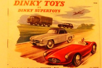 Dinky Toys Peugeot 403 break (couverture du catalogue de l'édition française)