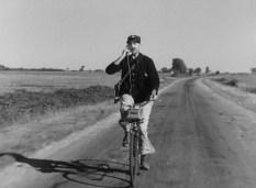 """""""Jour de fête"""" Jacques Tati : encore plus fort ! le téléphone sur le vélo"""