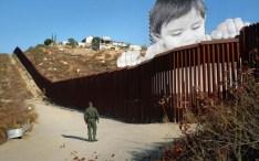 Photo géante placée sur le fameux mur entre le Mexique et les Etats-Unis