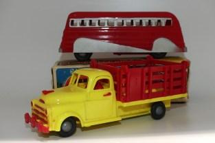Reliable (Canada) Chevrolet camion ridelles ajourées et car aérodynamique