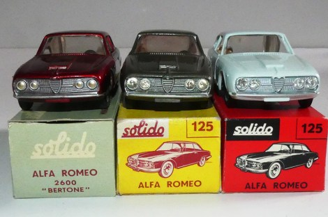 Solido Alfa Romeo 2600 ( les 3 variantes de phares)