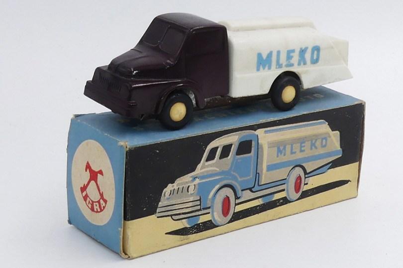 """Igra Praga 5T citerne """"Mleko"""" (laitier)"""