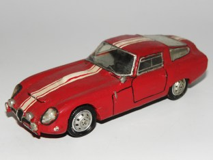 RD Marmande Alfa Romeo GTZ 1964 produite en 1965 par Raymond Daffaure.