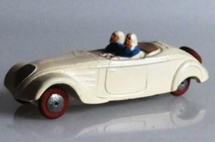 beau comme une JRD Peugeot 402 cabriolet