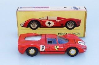 Solido Buby Ferrari 330 P3 on appréciera la boîte version spider !