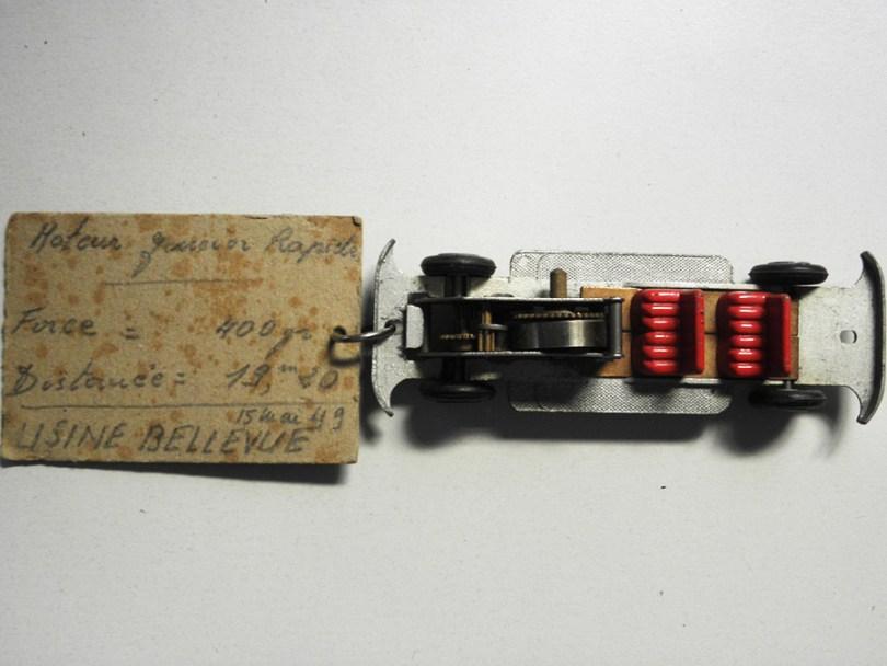 Solido chassis de Junior ayant servi de test au bureau d'étude de chez Solido avec annotations 18/12/1947