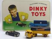 Dinky Toys : les panneaux carton quelle merveille ! il fallait au moins ces modèles pour être au niveau !