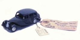 Archives de Jean Michel Roulet la 40 B Triumph 1800 noire avec jantes de couleur argent