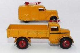 """Dinky Toys camionnette 280 et camion 22 C """"Scarlet Arrow"""""""