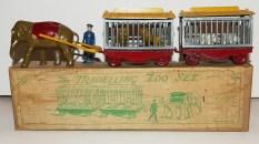 Charbens coffret cirque comprenant un éléphant tirant deux cages (roues en zamac peintes de couleur rouge))