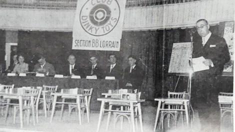 """Actualités Meccano: Monsieur Chanu au micro lors de la réunion du club du """"BB Lorrain"""" on entend voler les mouches"""