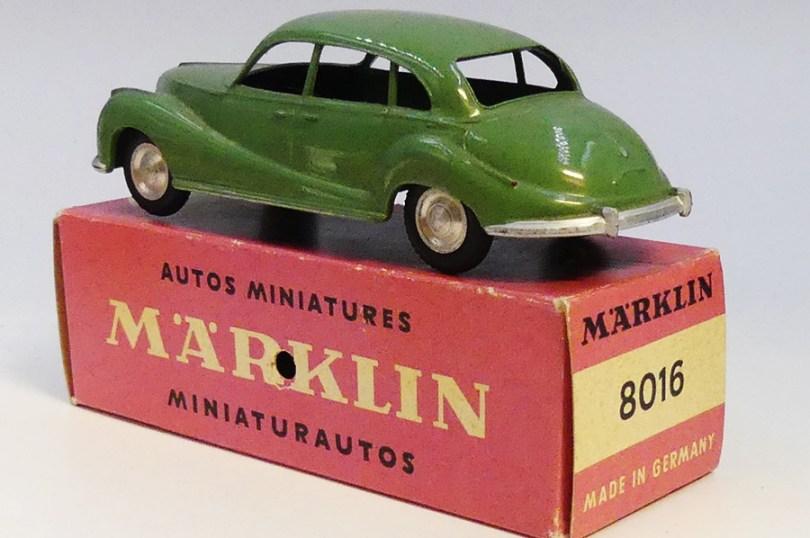 Marklin BMW 501 rusticité ...chassis vissé, finition main. L'argenture est réalisé au pinceau