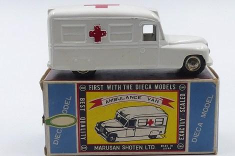 Marusan Daimler fourgon ambulance (Japon)