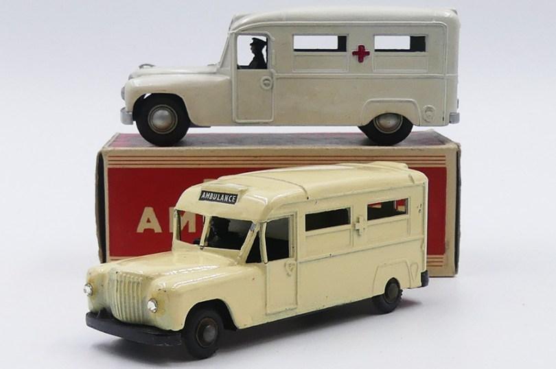 Zebra Toys et Morestone Daimler ambulance