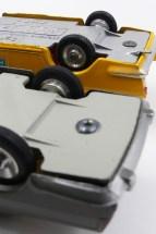 équerres sur les chassis de Solido (Lancia) et Dalia (Seat 1500)