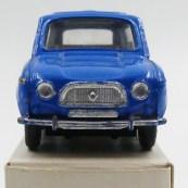 Dinky Toys Renault 4L bleue provenant de chez monsieur Badaroux avec sa rarissime boîte blanche avec tampon indiquant le bon à tirer ; modèle figurant sur le catalogue de 1975