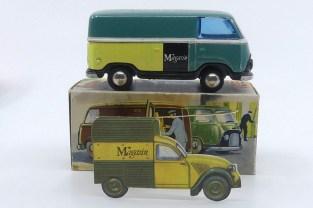 """Tekno Ford Taunus """"Magasin"""" (équivalent des Galeries Lafayette à Copenhague) et sa carte publicitaire d'époque...avec une 2cv !"""