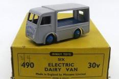 Dinky Toys Walker fourgon électrique Express Dairy (plateau bleu moyen)