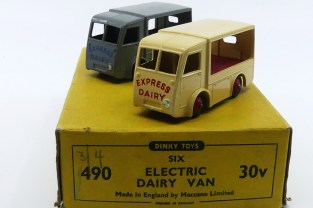Dinky Toys Walker fourgon électrique Express Dairy