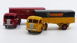 Dinky Toys Panhard Movic Esso et Calberson (prototypes)