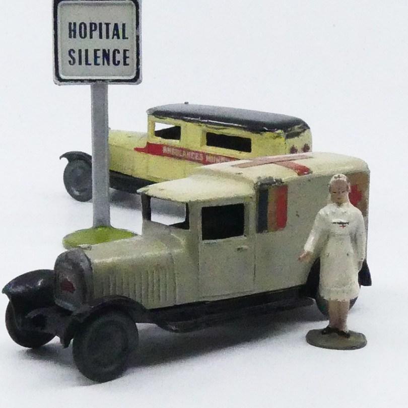 CD Delahaye camionnette ambulance militaire et municipale