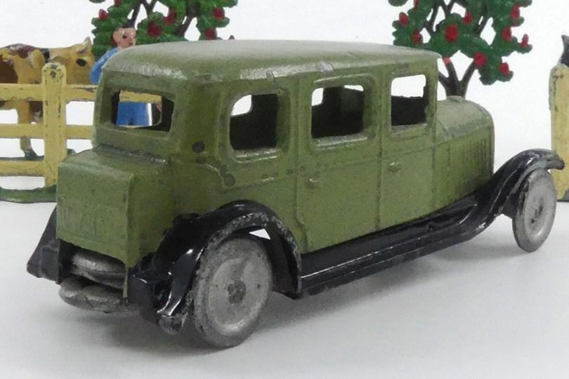 CD Delahaye limousine (admirez les deux roues de secours !)