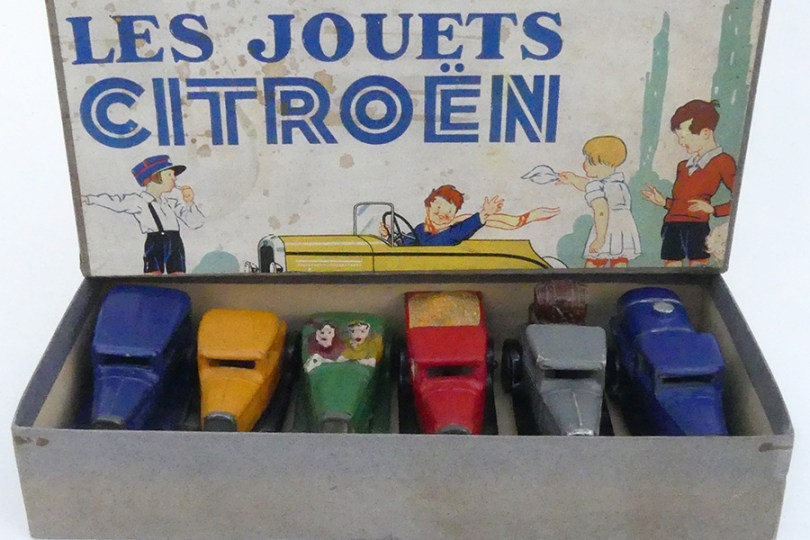 """Coffret """"Les jouets Citroën"""" avec 6 Citroën C4"""